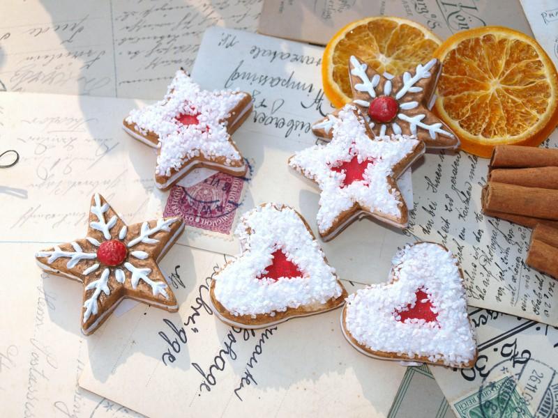 18 kekse pl tzchen lebkuchen streudeko weihnachten adventskranz deko basteln ebay. Black Bedroom Furniture Sets. Home Design Ideas