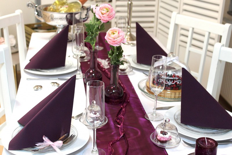 xl set hochzeit geburtstag tischdeko deko pflaume violet servietten aubergine ebay. Black Bedroom Furniture Sets. Home Design Ideas